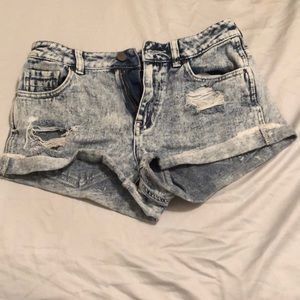 Acid wash ripped jean shorts